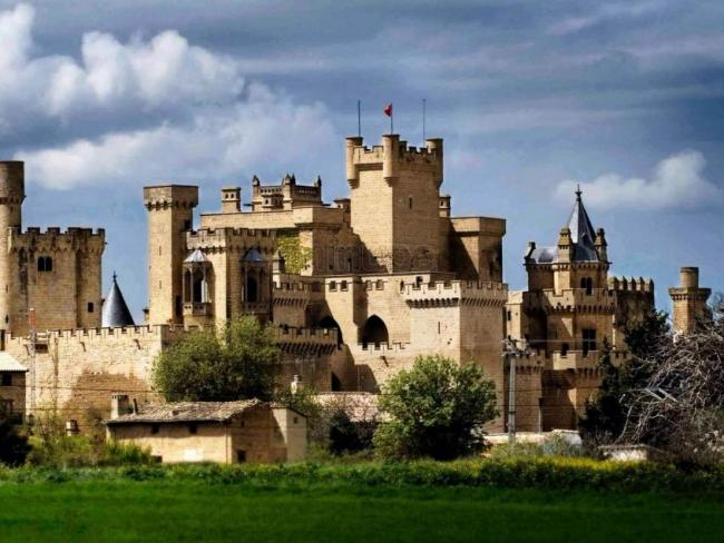 castillo-palacio-real-de-olite.jpg